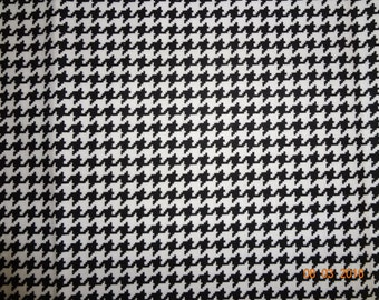 """1 3/4 Yards Black & White Houndstooth Print Cotton Fabric - 45"""" wide"""