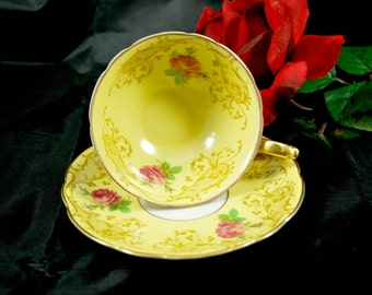 Royal Bayreuth Tea Cup and Saucer , Red Roses , Art Deco , Bavaria Gold Tea Set