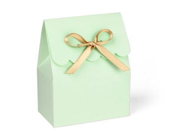 Favor Boxes, Mint Green With Gold Ribbon // set of 8