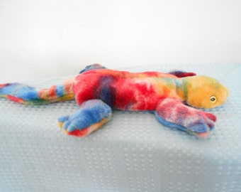 Ty Beanie Buddy Lizzy the Tie Dyed Lizard! New With Tags and Tag Protector/Retired after 6 Month Production!