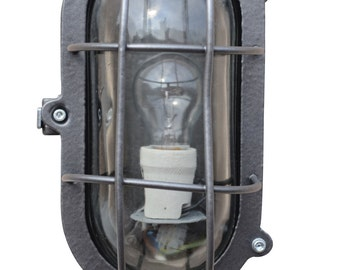Oval Bulkhead Lamp