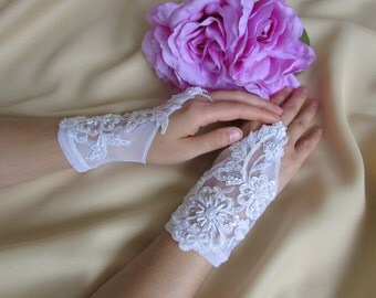Elegant wedding lace gloves with embroidery of pearls, beads and sequins, Short bridal gloves, Bridal accessories, Wedding accessories