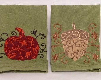 Fall Towels,  Embroidered Hand Towel, Kitchen Towel, Thanksgiving Autumn Decor Vining Pumpkin & Acorn, Fall Harvest Towels, Hostess Gifts.