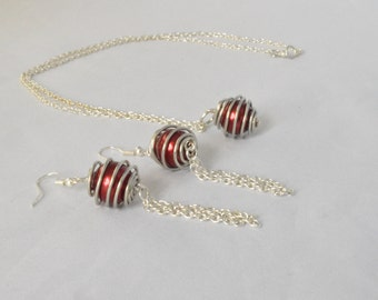 Wire Wrapped Jewelry Set, Wire Wrapped Pendant, Wire Wrapped Earrings, Red Pearl Jewelry Set