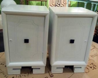 Pair of Vintage Mid Century Modern White Night Tables