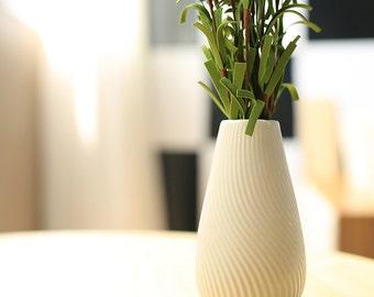 "Dehua Porcelain 4 1/2""White Ceramic Decorative Mini Vase"
