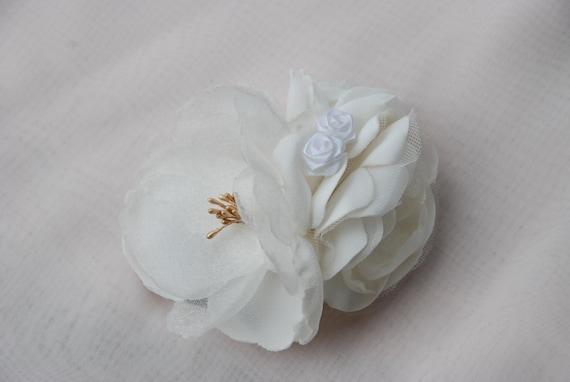 Ivory flower cluster bridal hair clip;ivory bridal hair clip;ivory floral hair clip