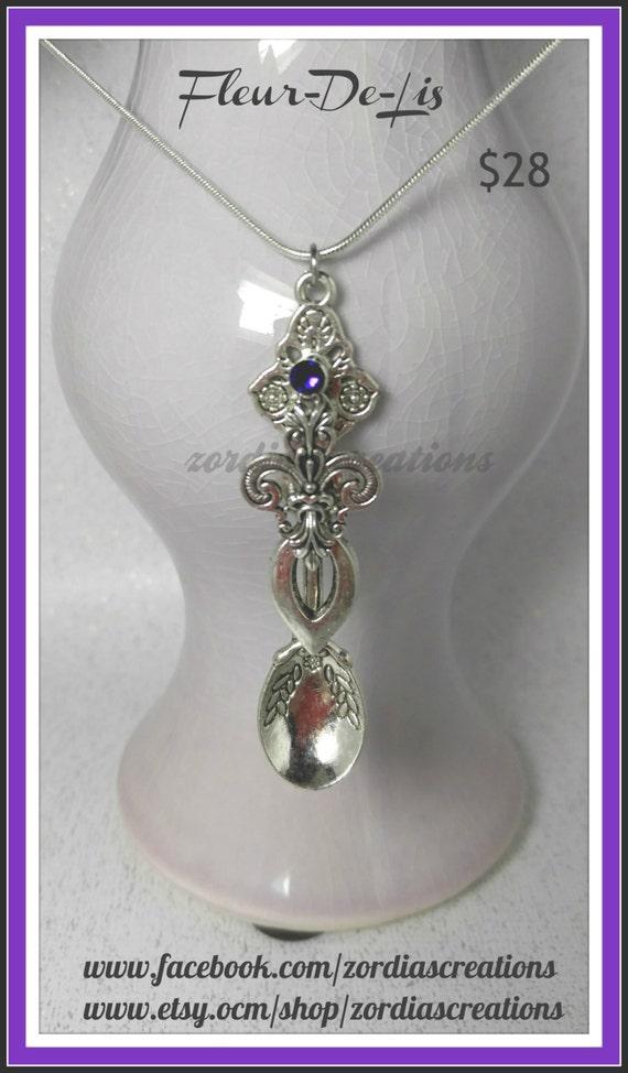 lily pendant iris necklace flower necklace fleur de lis