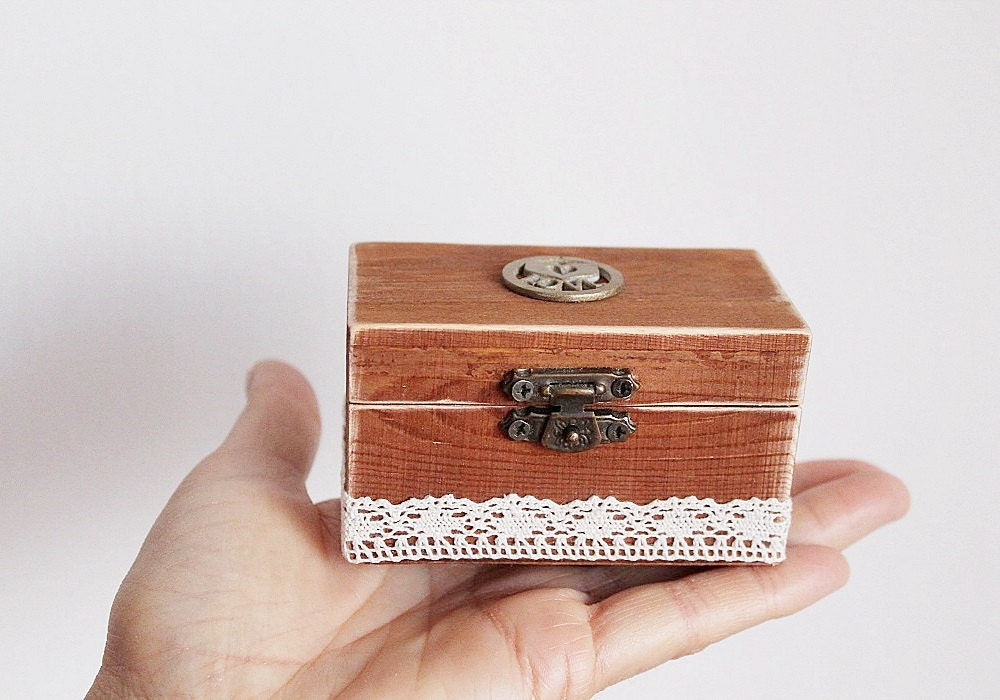 Ring box wedding rustic ring box custom ring box ring for Custom engagement ring box