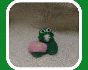 Needle Felted Frog on Lilypad