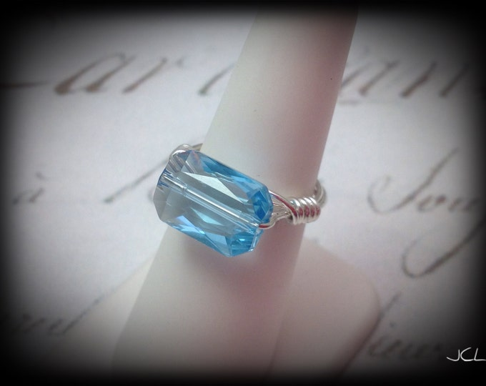 Sterling wire ring with rectangular swavorski Crystal in aquamarine