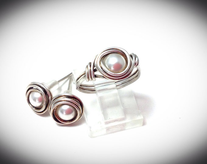 Antiqued Sterling silver wire wrapped ring with matching earrings