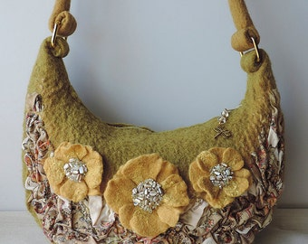 Discount 50% Handmade felted purse with flowers, Shoulder Bag, Wool Purse, Felted handbag