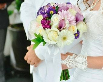 Bridal Gloves - Bow Gloves - Lace Gloves - Wedding Gloves - Wedding Accessory - French Lace Gloves - White Lace Gloves - Bridesmaid Gloves