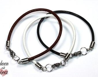 Leather bracelet (black, brown or white) - 1 pc.