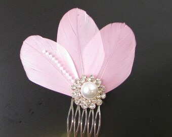 Light Pink White Silver Feather Pearl Fascinator Hair Comb Vintage 1920s 30s 119