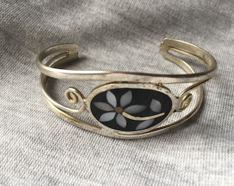 Mexican silver clamper bracelet with Mother of Pearl and Abalone