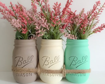 Mason Jars Centerpiece. Wedding Decor. Distressed Mason Jars. Mothers Day Gift. Gift for Her.