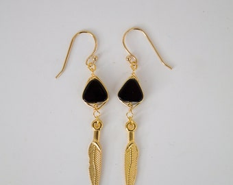 """Earrings """"India"""" with goldplated feathers and wrapped onyx gemstone"""