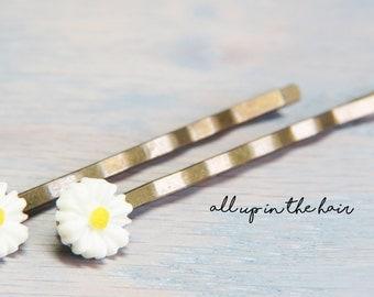 White Daisy Bobby Pins - Small Flower Bobby Pins