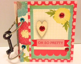 small handmade memory keeper book - oh so pretty