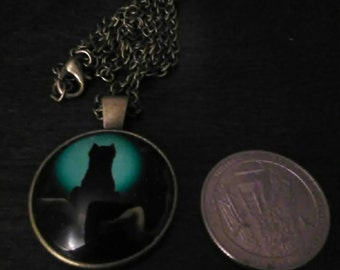 Silhouette, cat in moonlight on vintage bronze necklace  #0018H