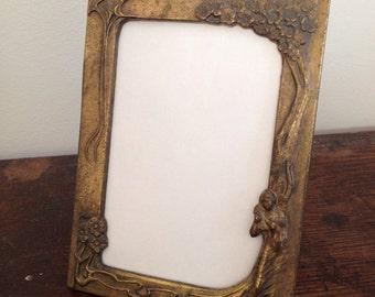 """Lovely Art Nouveau Vintage Antique 4x6"""" Easel Picture Frame"""