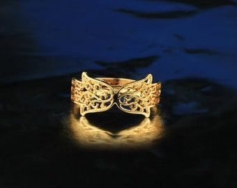 Two sided 14k goldfield hamsa (hand of god) ring