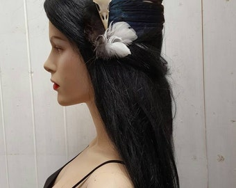 Beautiful magpie wing and skull fascinator, taxdermy, real bird wings, real bird skull