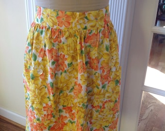 Vintage Yellow and Orange Floral Apron - vintage apron - vintage half apron - 1960's kitschy apron - Rockabilly - Spring Apron - Floral