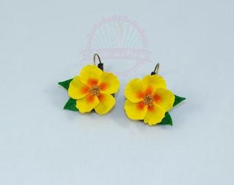 The yellow Islands, style tiki Flower Earrings