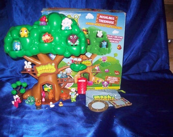 Moshi Monster Play Treehouse and 15 Figures