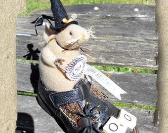 Halloween Decoration/Decor ~ Witch Mouse in Shoe ~ Hand made ~ Fun ~ Whimsical