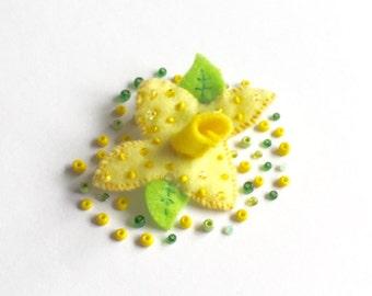 Felt Daffodil Brooch/ Daffodil Felt Brooch/ Daffodil Pin