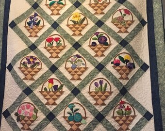 Handmade Quilts, Queen Quilt, Queen Size Quilt, Queen Size Bedding, Flower Baskets, Bedroom decoration, Handmade Quilt, Art Quilts