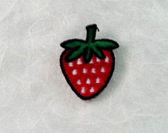 Strawberry Iron on Patch(S1) - Red Strawberry Applique Embroidered Iron on Patch -Size2.5x3.3 cm
