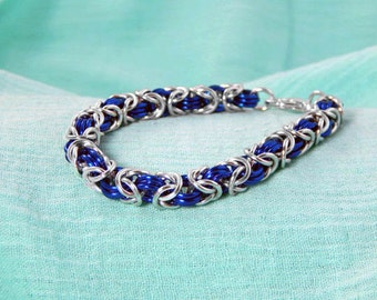 Blue & Silver Womens Bracelet, Chainmaille Jewelry, Bracelets for Women, Blue Jewelry, Gift Ideas, Gift for Girlfriend, Festival Jewelry