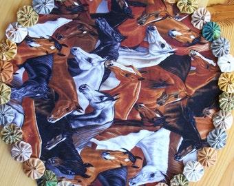 Horsehead print yoyo center piece