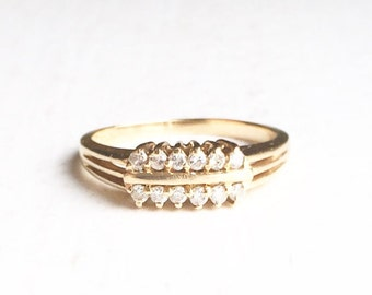 Vintage 14k Gold Ladies Diamond Ring