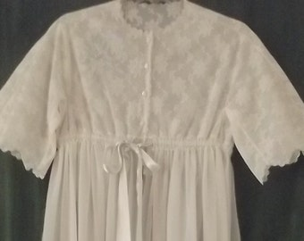 "Vintage Peignoir by ""Eyeful by the Flaums"" 1960's robe Lord and Taylor Cream / Pale Blue"
