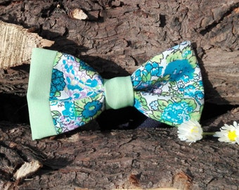 Floral bow with side detail green.