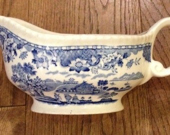 Vintage Woods Ware Seaforth Blue & White Gravy / Sauce Boat. Great Condition