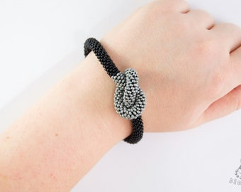 Seed bead crocheted bracelet / Beaded rope / Black and silver bangle / OOAK bracelet / Bracelet with a knot