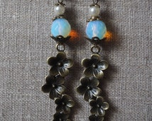 Earrings flowers cluster and opaline