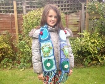 Crochet Frog Scarf, handmade animal scarf, frog neck warmer, funny green scarf,  neck warmer, granny square, children's scarf, novelty scarf