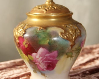 Superb Royal Worcester Hand Painted Hadley Rose 1917 Gilt Lidded Pot Pourri Vase