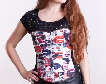 Lips pattern corset