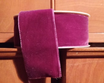 Velvet ribbon.
