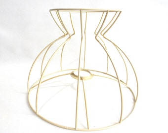 Lamp shade frame / wire frame, Authentic vintage lampshade wire frame. / lampshade frame #641G96K38
