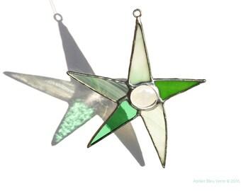 Green Stained Glass Star Suncatcher, Five Point Star, Window Ornament.